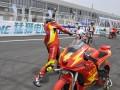 中国宗申车队车手刘君眉独特的比赛热身方式