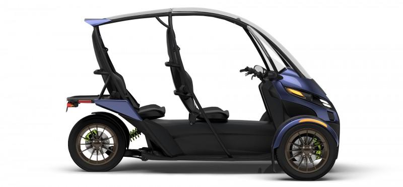 据媒体报道,近日美国新兴公司Arcimoto推出了一辆双座电动三轮摩托车——SRK。这款车外观与高尔夫车和全地形车相似,它被官方归类为摩托车,这就意味着它无须与四轮汽车一样符合严苛的安全标准,但与两轮摩托车不同,SRK有一个保护性的外壳,配有12千瓦的锂离子电池,一次充电可以行驶约70英里(113公里),速度可以达到至少每小时85英里(137公里)。