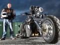男子将摩托车进行改装后成为交警目标