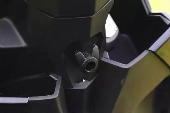 『评测』新大洲本田裂行125 FI,到底行不行?