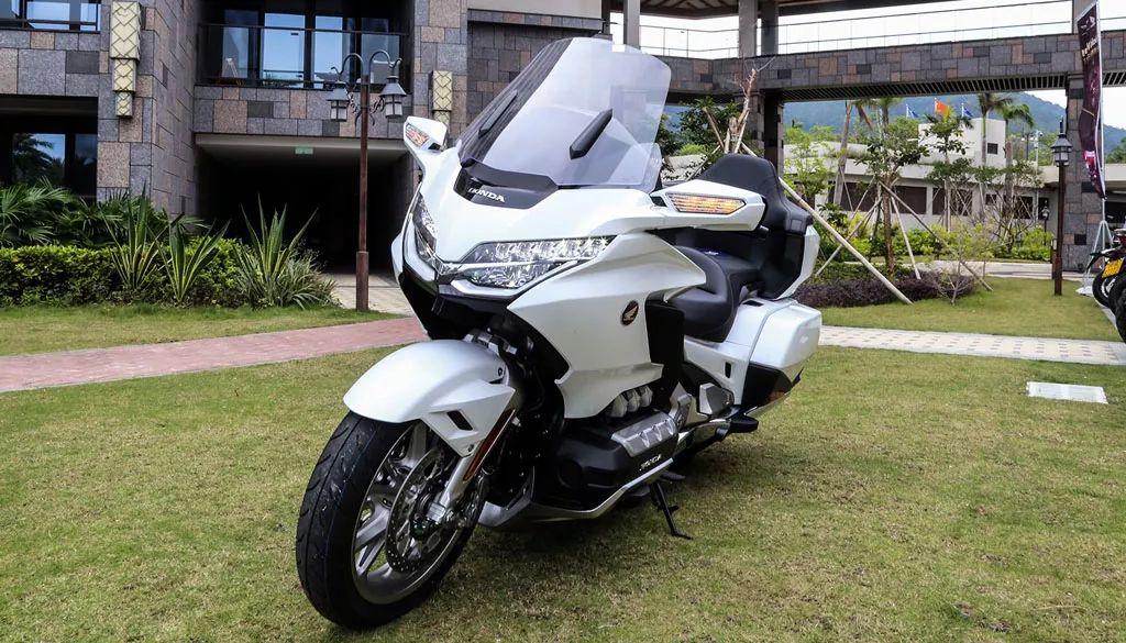 41.8万元起售!这台本田摩托车能换一辆宝马5系,你会考虑吗?