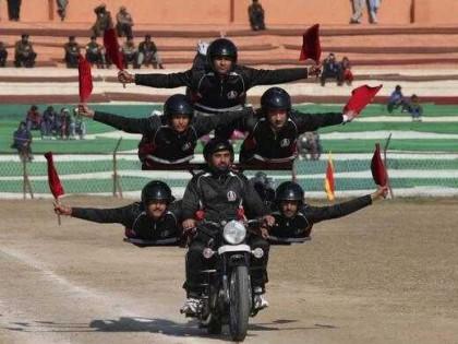 三轮摩托车曾是警察和军队的装备,在中国使用30多年,之后消失了
