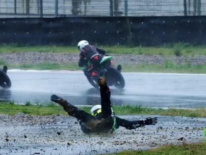 2019正新轮胎杯 公路摩托车挑战赛贵阳站——雨中摔车