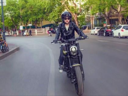 做自己不跟风!适合女生的高颜值入门级复古摩托