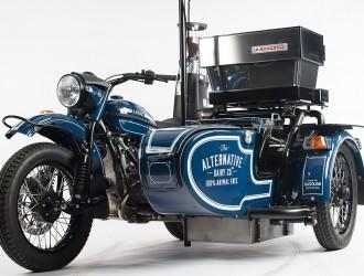 名副其实的咖啡风格改装 搭载咖啡机的乌拉尔边三轮