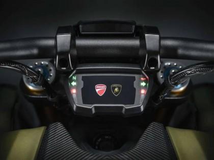 杜卡迪发布第一款与兰博基尼合作的摩托:Diavel 限量版