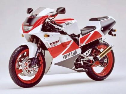 Yamaha 过去的经典配色、粉红的四冲程