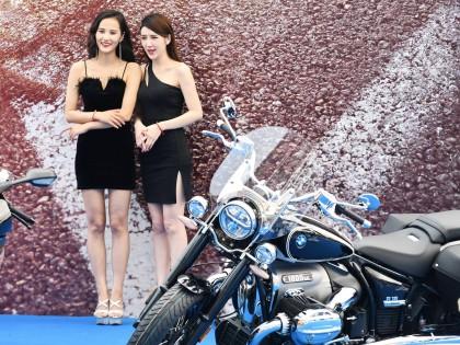 宝马摩托 佛山千里驹服务中心开幕:美女与豪车